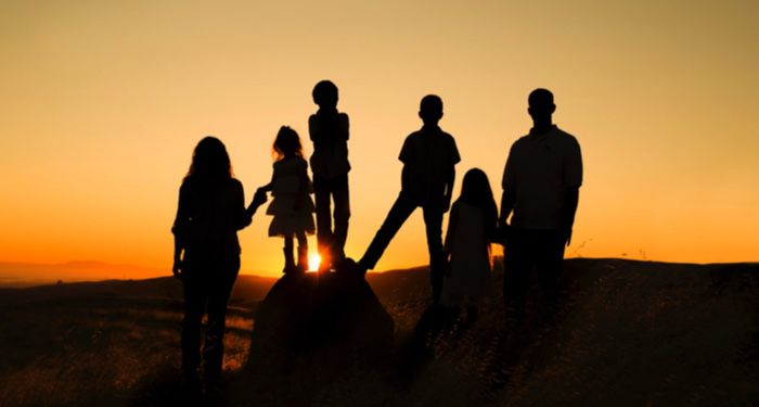image-of-family-silhouetted-at-sunset https://unsplash.com/photos/5E_y0GrEzoU