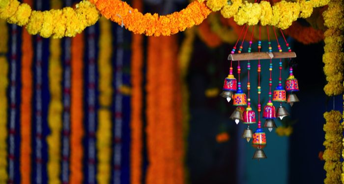 flower gardlands and decoration in india